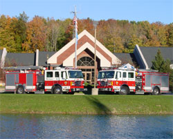2002 American LaFrance Fire Engines